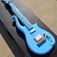 Diamant-Serie Prince Cloud Sky Blue Electric Guitar Alder-Körper, Ahornhals, Liebessymbol Inlay, Goldfächerstabdeckel, Wickeln Sie rot