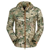 Giacca JODIMITTY New Spring esterno degli uomini Moda Camouflage Stampato Giacca impermeabile soprabito casuale Windbreaker incappucciato