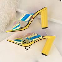 Pantofole 2021 estate donne 9.5 cm tacchi alti muli giallo scivoli al neon verde open toe blocco spesso sandali pantofola design scarpe bianche