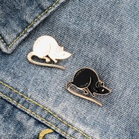 El par lindo broche pequeño ratón ratas Blanco Negro Decoración de Estudiantes de la personalidad creativa Pin tendencia de dibujos animados de la solapa de joyería regalo del vaquero insignia