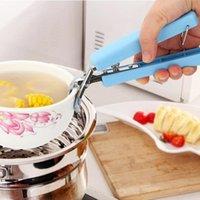 Antiderapant outil bol clip multi-couleurs Cuisine pratique poignée en plastique Preuve de chaleur en acier inoxydable Pince disque plaque vaisselle clip DH0060