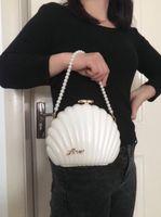 Borsa da sera delle donne di modo Black Black Bianco Shell Shell Shell Handbag Lady Regalo di Natale Perle Borse da polsino Borse a frizione Portafoglio