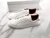 2020 Luxury Designer Sneakers in pelle Uomo Donna Sneaker Casual Shoes Italia Ace urbano strada pedonale allenatori sportivi Chaussures pour hommes