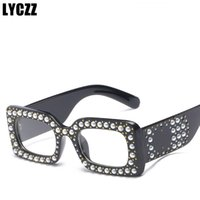 LYCZZ Retro Pearl Occhiali da sole Donna Brand Design Flash Square Shades Specchio Occhiali da sole Oculos Lunette Travel Goggle Decorative