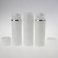 De haute qualité 100ml pp plastique rond blanc bouteille pompe airless d'or ou un collier en argent, flacon pompe à vide en gros