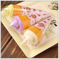 Novely Navidad helado torta de la toalla 20 * 20cm Mini Toalla 100% algodón conjuntos de toallas bebé ducha regalo recuerdo de la boda del ornamento Inicio