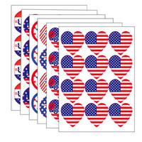 12 Pcs / Set Trump 2020 Etiqueta da bandeira Bandeiras para o Dia da Independência presidente dos Estados Unidos Eleição americanos enfrentam Dia Nacional Supplies grátis