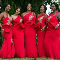 Vintage Vermelho Um ombro mereca sereia vestido de dama de honra apliques de ouro lantejouled ruffles cintura África dress varrer trem cetim vestidos de baile