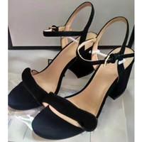 الأزياء مصمم النساء shoes7.5cm عالية الكعب رصع الصنادل مثير السيدات إسفين الصنادل أحمر أسفل سبايك حفل زفاف sandales نساء