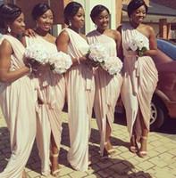 Vestidos de dama de honor afroamericanos Grecios 2019 Un solo hombro de melocotón rosa sirena largos vestidos formales para mujeres con sash