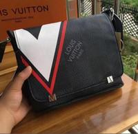 ac06c8701d Borsa uomo Louis Vuitton 2019 nuove tasche sportive da uomo outdoor running  Europa e America borsa a tracolla uomo Messenger bag a tracolla # 006
