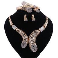 Femmes de mariée cristal fin Perles africaines Ensembles de bijoux pour soirée de mariage Accessoires boucles d'oreilles pendentifs Bracelet Collier
