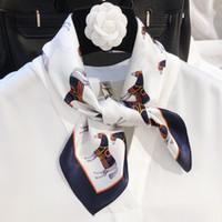 100% seda bufanda principal caballo de las mujeres Imprimir bufandas Francia Pequeña bufanda de verano 50 * 50cm