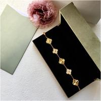 Crystal Four Leaf Trébol Pulseras Brazalete Letter Love Charm Diamond Jewelry For Women Girls Luxury Designer Designer Joyería con caja