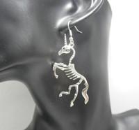 Hübsche Punk Ohrringe Für Frauen Persönlichkeit Legierung Baumeln Ohrring Farbe Silber Schmuck Mode Übertreibung Einhorn Skeleton Tropfen Ohrring