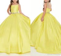 Giallo brillante ragazze Pageant Dresses 2020 della principessa sfera Gows Strass in rilievo spaghetti cinghie in rilievo Flower Girl Dress per il partito di nozze