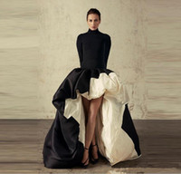 Afrique noire et blanc robes de soirée robe de bal en satin à col haut Volants balayage train salut-lo Manches longues cocktail officiel de Robes