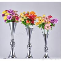 preiswertes elegantes neues designe Meistverkaufter Goldeisen Hochzeitsblumenstand Mittelstück-Vase Lieferant