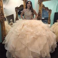 Robe de boules majeure quinceanera robes de coude cou sur mesure robes de bal faits sur mesure Tulle niveaux taillé 15 robe de mascarade