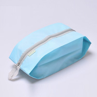 OC 2020 Ny mode bärbar kosmetisk väska Enkla skorpåsar Top Quality Travel Wash Bag Damm av efterbehandling Anpassad logotyp Heminredning