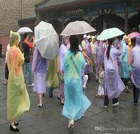 2000 stücke einweg PE Regenmantel Erwachsene Einmalige Notfall Wasserdichte Kapuze Poncho Reise Camping Muss Regen Mantel Outdoor Regenbekleidung