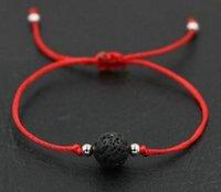 السفينة حرة 50PCS / الكثير الطبيعية الحمم الحجر الأسود الأحمر حبل الموضوع سلسلة Briad محظوظ هدية أساور قابل للتعديل أساور HOT