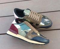 2020 yeni moda Deri Süet Stud rockrunner kamuflaj Sneakers Ayakkabı Erkekler Kadın Flats Lüks Tasarımcı Perçin Rockrunner Eğitmenler Casual