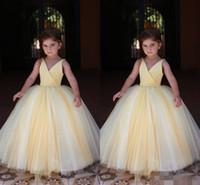 2019 Sevimli Sarı Çiçek Kızların Elbiseleri Saten Tül Sapanlar Kolsuz Çocuklar Örgün Giyim Pageant Prenses Doğum Günü Partisi Balo