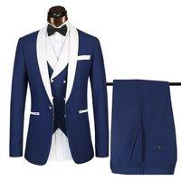 Diseñador Traje de padrino de boda azul real Traje de boda de 3 piezas Traje de boda de solapa blanca Trajes de solapa de esmoquin de los hombres (chaqueta + pantalones + chaleco)