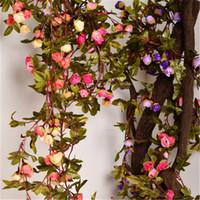220cm Rosas de seda falsas Ivy Vine Flores artificiales con hojas verdes para la decoración de la boda en el hogar Decoración de guirnaldas colgantes