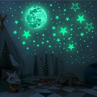 Glöd i de mörka stjärnorna Väggklistermärken 435pcs Lime Ljusa och realistiska stjärnor och fullmåne för Starry Sky Shining Decoration for Kids