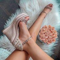 Yaz Stili Kırmızı Taban Kadınlar Kırmızı Alt Chocazeppa Kama Düz Ayakkabı Flatform Sandalet ile Gümüş tonlu Studs Gladyatör S İçin Yüksek Topuklar Ayakkabı