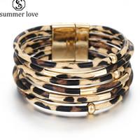 Bracelets en cuir léopard branché pour femmes clignotant des perles de cuivre en cuivre enveloppé multicouche Multiticate Bracelet Bracelet en gros bijoux cadeau