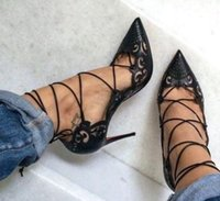 Hot Sale-Impera Rihanna Red inferior Toe Pigalle Shoes Cut Out tira no tornozelo Mulheres Bombas Lace Up recortes Mulheres Sandálias
