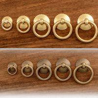 Vintage Brass Boutons d'armoires de cuisine Anneau Poignées petit tiroir Armoire Armoire Porte Poignées Poignées Prix usine