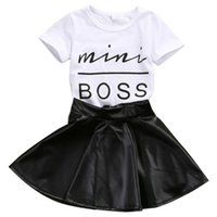 T-shirt in cotone stampato Miss Boss bianco per bambina con gonna in pelle PU