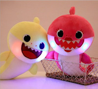 Giocattoli per bambini LED 32cm illuminano Baby Shark giocattoli di peluche con musica cantano la canzone inglese Cartoon Stuffed Lovely Animal Soft Dolls musica Shark Toy