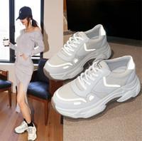 عالية الجودة رخيصة الثلاثي S الإضافية Chaussures مصمم أزياء أحذية المدربين الأبيض اللباس الأسود دي لوكس حذاء رياضة المرأة الاحذية