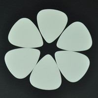 الكثير من 100 جهاز كمبيوتر شخصى الثقيلة 0.96mm غيتار فارغ يختار Plectrums لا السليلويد طباعة الصلبة الأبيض