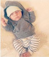 2 шт. 2016 новая осень девочка Мальчики комплект одежды Newborn Baby Boy Girl Теплое Пальто С Капюшоном Топы + Брюки Наряды Наборы
