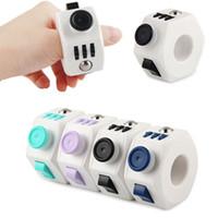 새로운 Fidget 링 감압 장난감 재미있는 매직 ABS 안티 스트레스 큐브 장난감 Magics 큐브 회 전자 반지 모양의 생일 선물
