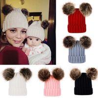 Родитель-Ребенок Knit Hat Зима теплой мама младенца Beanie лыжная шапочка Голова с капюшоном шапкой для женщин Девочки Детей с волосами Болл Партийных шляпами EEA560
