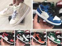 탑 1 1S 아이 스니커즈를위한 높은 농구 신발 2019 디자이너 Bred 발가락 게임 로얄 소나무 녹색 소년 소녀 어린이 신발 크기 9C-3Y