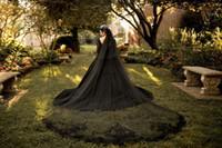 Black Gothic Wedding Abiti da sposa 2020 V Neck Manica lunga Sweep Train Appliques Perline Giardino Country Abiti da sposa Vestidos de Novia Plus Size