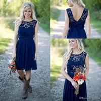 Nouvelle arrivée Country Style royal bleu marine court Robes de mariée 2020 en mousseline de soie dentelle pas cher Jewel Backless Longueur genou Mariages Robe Invité