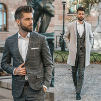 Graue Herren-Anzüge für Bräutigam Smoking 2020 fallendem Revers Slim Fit Blazer Plaid Zweiteilige Jacke Pants Man Tailor Made Kleidung