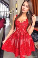 Fiesta de antiguos alumnos con cordones rojos 2019 Nueva árabe Una línea de correas espaguetis corto de tul vestido de cóctel Vestidos vestido de noche