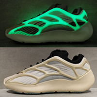 700S all'ingrosso V3 incandescenza bianca nottilucenti 2020 Uomini Donne Designer Shoes Kanye West carbonio luminoso corridore corsa Sport Sneakers Cheap 36-45