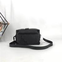 Neuesten kleine Taschen für Frauen und Männer Mini weichen Stamm Umhängetasche 44480 Taiga Leder minibag beiläufige Geldbeutel und Handtaschen voller Farbe