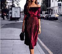 2020 nuovo design delle donne di moda sexy europeo collo barra dalla spalla manicotto dei tre quarti vita alta tessuto in velluto pieghettato il vestito lungo